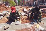 京疏解整治促提升行动 老旧小区改造打包推进