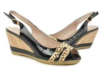 活彩人生质感牛皮豹纹搭配坡跟鱼嘴凉鞋