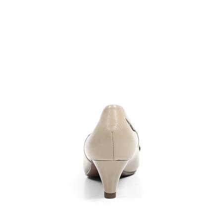 色软羊皮女皮鞋