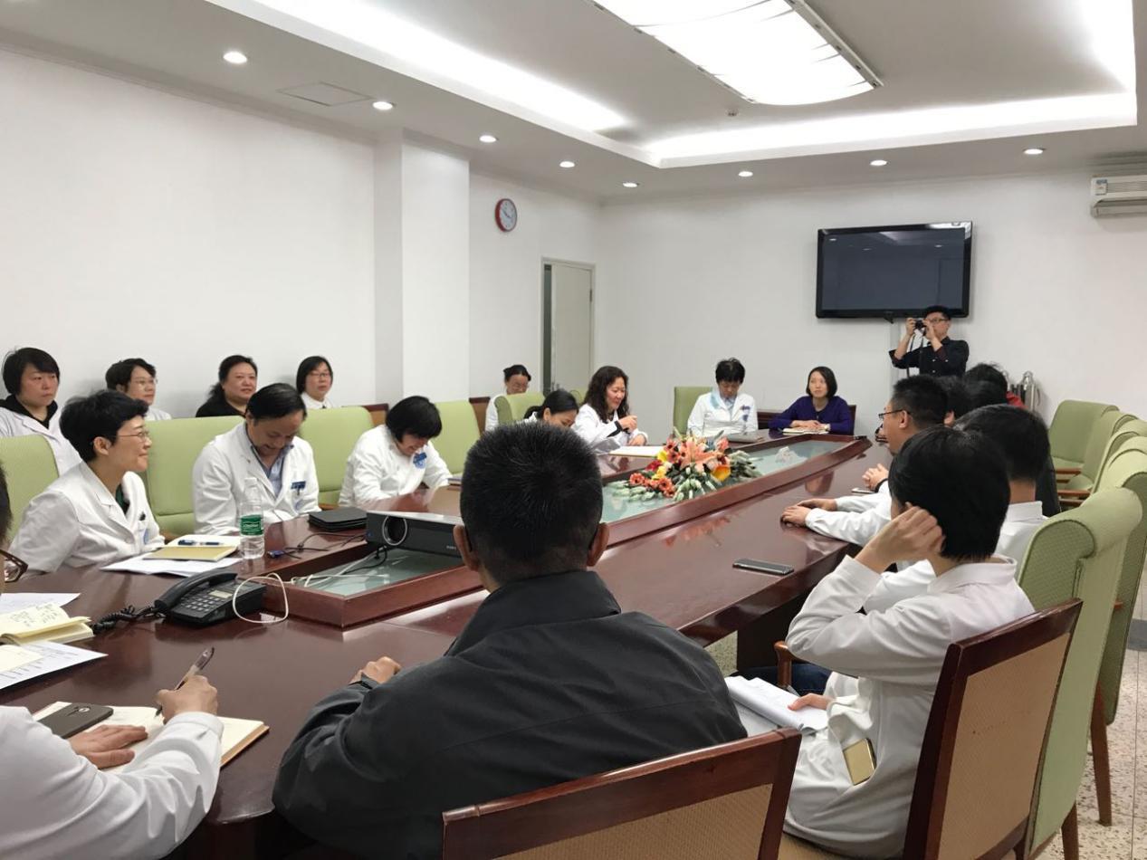 (北大人民医院开会部署工作 北京时间记者 刘清 摄)