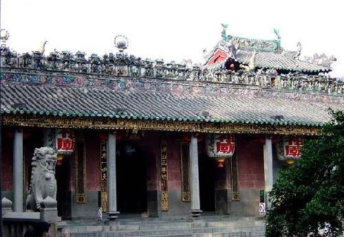 北帝庙建于清朝干隆48年(1783年),是长洲岛上历史最悠久的庙宇.