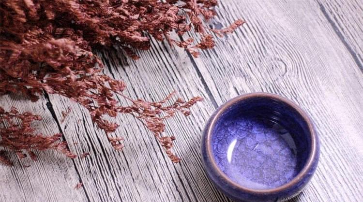 用精致的陶瓷杯泡花茶冲咖啡那感觉就是不一样