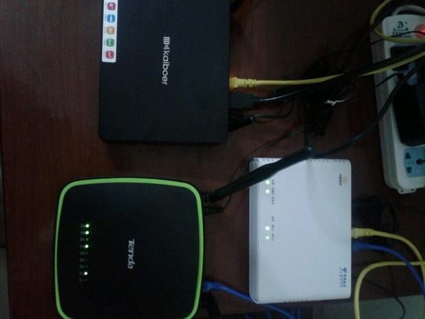 路由器,和网络电视机顶盒