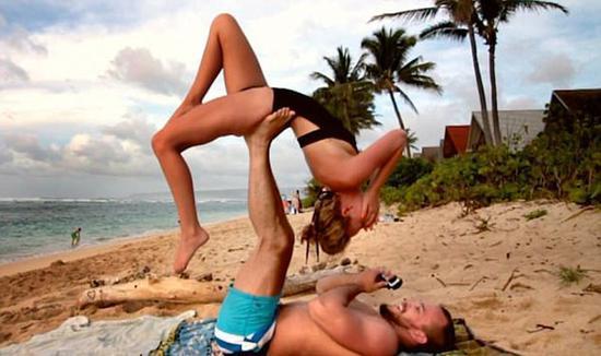 史上最个性 美国男子趁和女友练瑜伽时向其求婚 -  - 真光 的博客