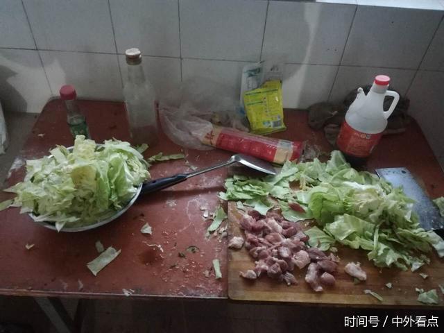 农民工的艰辛生活:两个人的晚餐只花5元钱 - 一统江山 - 一统江山的博客