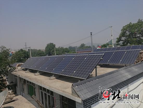 光伏发电租用荒山让孝墓乡柳树沟村有了集体收入,改变了村容村貌.