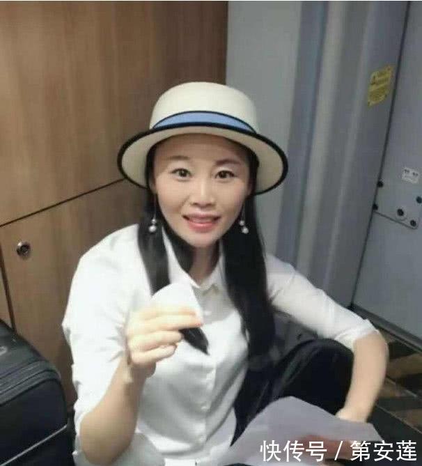 37岁草帽姐近照,50岁杨澜近照,56岁王姬近照,谁颜值最高
