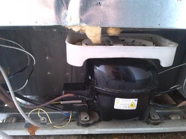 电冰箱压缩机不工作很烫手也不制冷,有电
