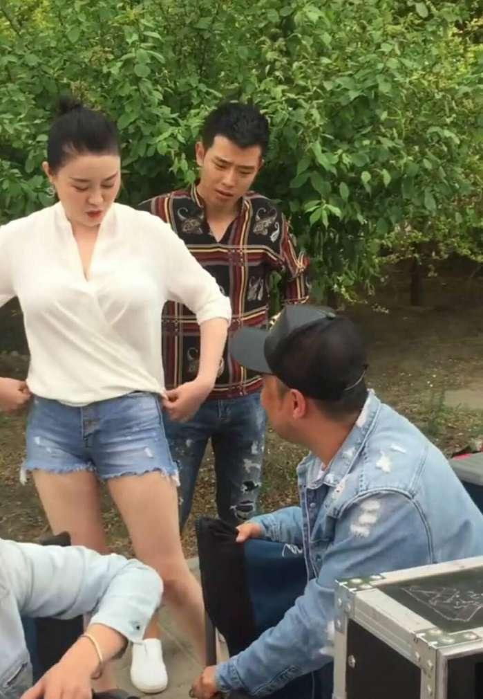 赵本山的女爱徒关婷娜,至今单身,忙于新片拍摄