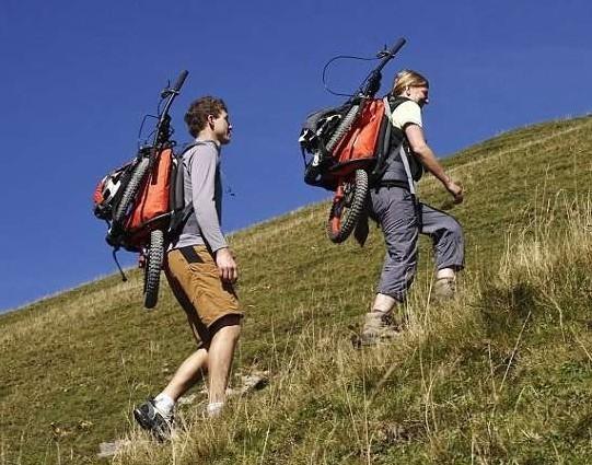 背包山地车可以让登山者不必担心下山时所遇到的种种难题,不但能