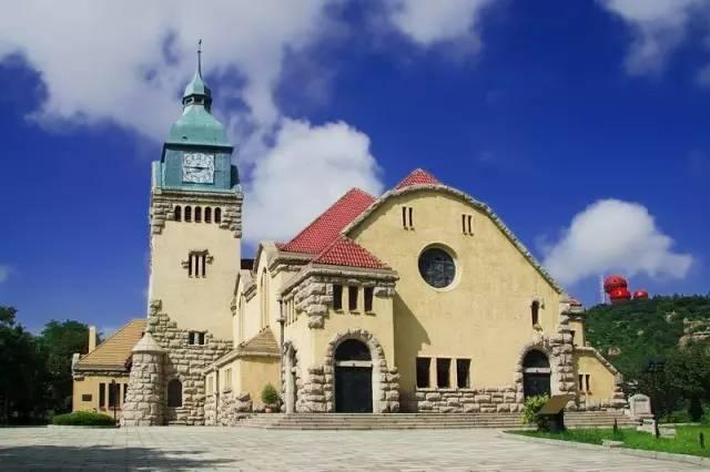 基督教堂是青岛著名的宗教建筑,山东省重点文物保护单位,它是一个典型