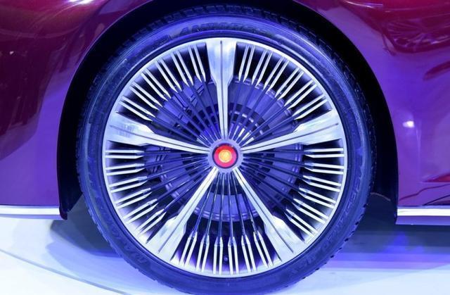 #红旗# 全车无按键,全玻璃车顶,崛起之路还远吗? 汽车 热图3