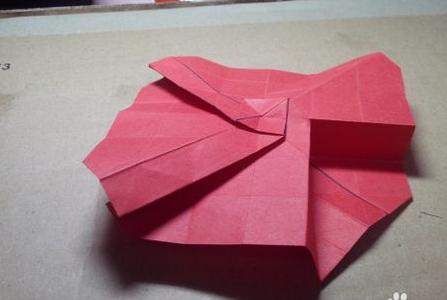 怎么制作手工纸质玫瑰花?