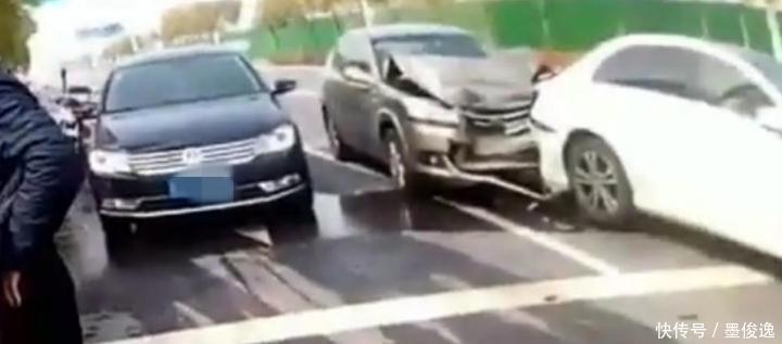 奇瑞追尾奔驰,下了车,奔驰车主:别报警行吗我负全责
