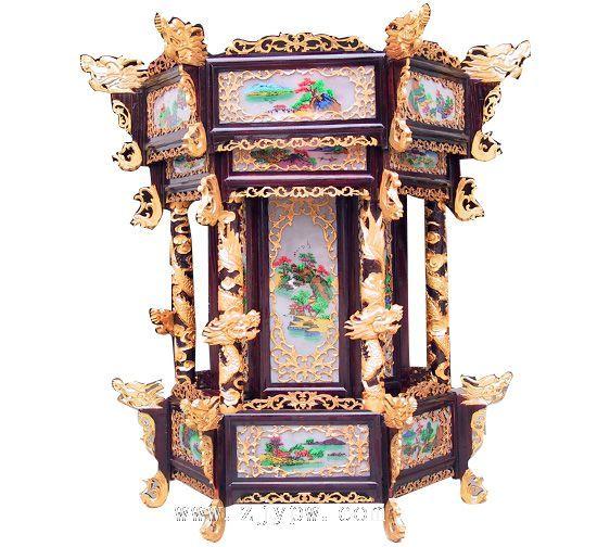 拼装架方型彩绘宫灯   这类宫灯呈方形,骨架由木头做成,能拆能卸