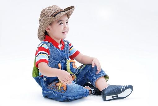 善于玩游戏的小孩子,注意力一般更加集中