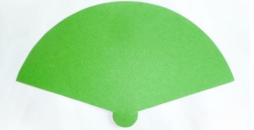 解决方案1: 孔雀扇子手工制作 手工材料:卡纸,剪刀,活动眼睛,胶水 贴