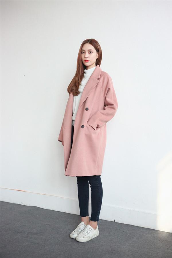 最新时尚粉色大衣搭配-韩版女装冬季穿衣搭配街