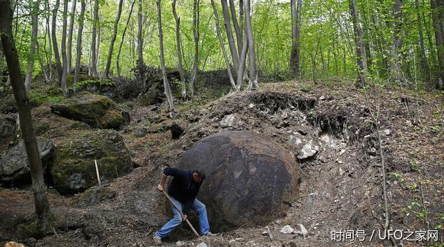 (文摘)森林中现35吨巨大圆石 身世至今成谜 - aihua191 -    aihua191的 博 客