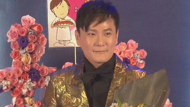 《每日文娱播报》20170327张信哲50岁再发单曲