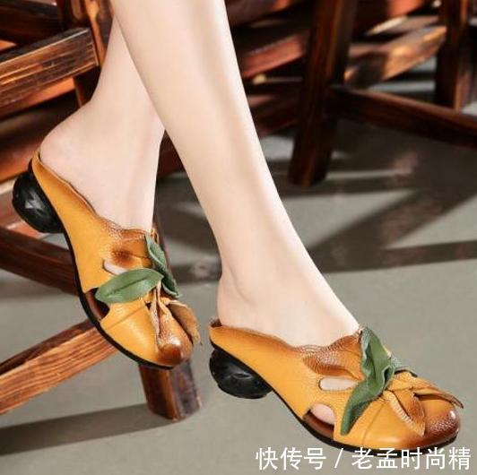 """有一种舒适, 叫""""软底鞋"""", 四五十岁妈妈穿, 柔软不磨脚"""