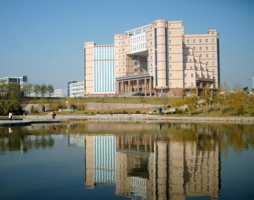 郑州中心汽车站到河南工程学院本部(龙湖校区)怎么坐公交