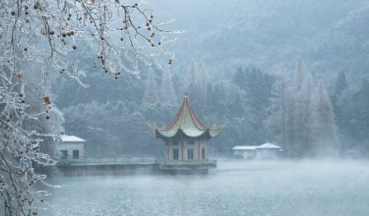 江西庐山迎初雪 冬如玉 美如画