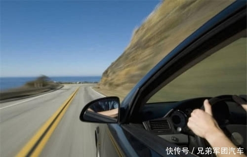 为啥高速上看不到劳斯莱斯、宾利等豪车?车主:我又不傻!
