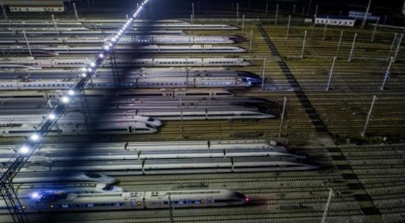 春运将至 高铁列车集中检修保障运行安全