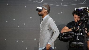 关于微软VR头盔新设备 你需要知道这七件事