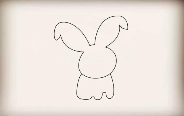 第三步接着画上身体.是一只蹲着的小兔子.观察腿的变化.