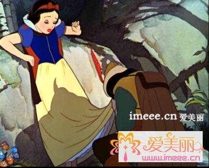 白雪公主非常善良,有爱心