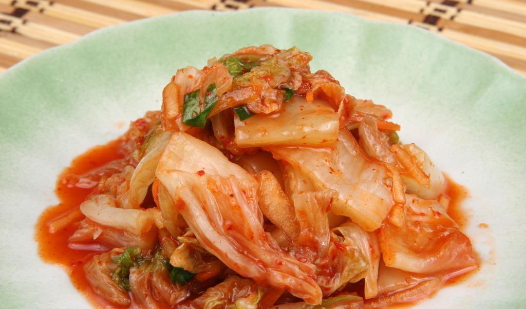 中日韩请客吃饭的差异,韩国不能缺泡菜,中国最