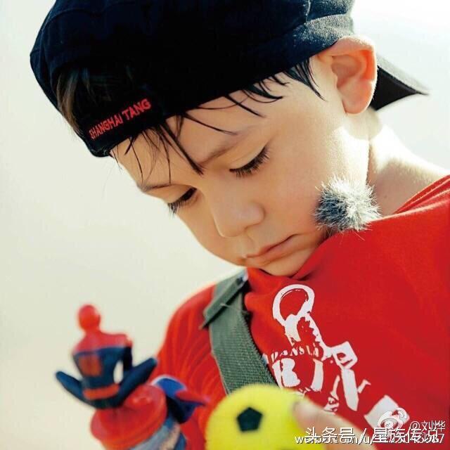 还记得这个可爱的小朋友吗?混血小王子!刘烨的儿子,刘诺一.