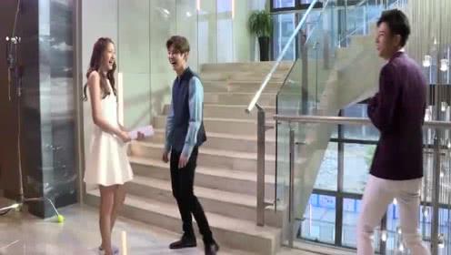 """""""甜蜜暴击""""花絮:关晓彤和鹿晗片场大笑合集,这个配乐绝了"""