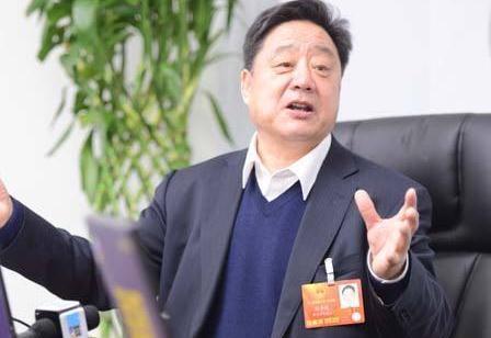 """付华廷2017""""小目标"""":为村里建个综合利用秸秆示范区"""