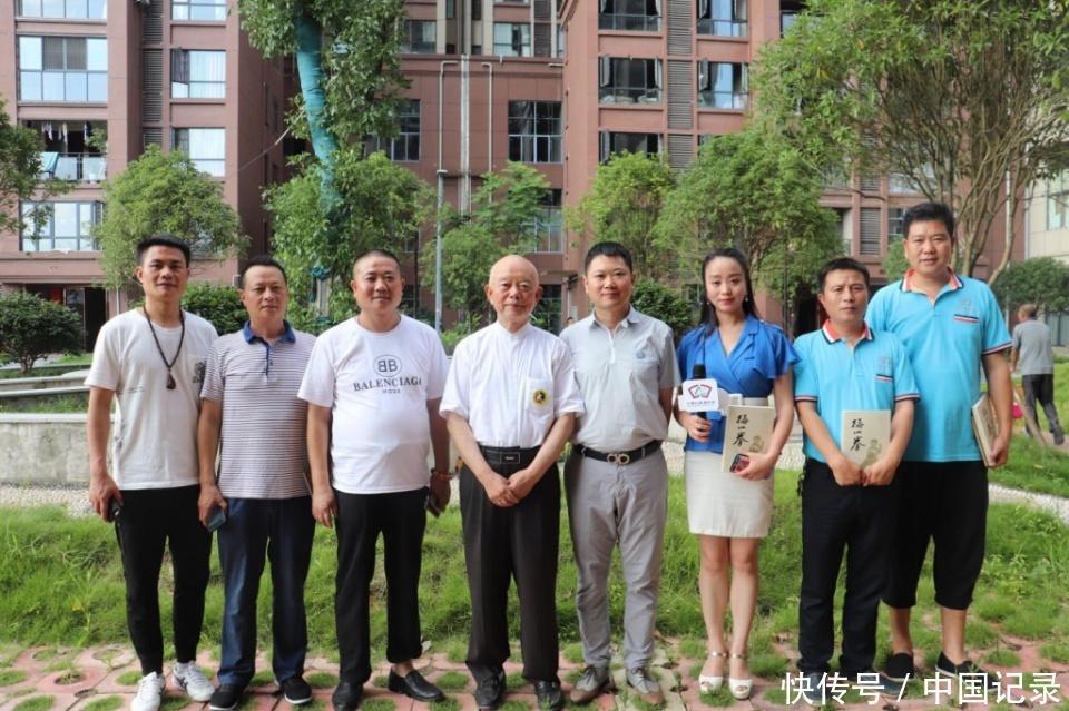 中国记录通讯社社长陈学刚、常务社长黄美来新拜访晏西征