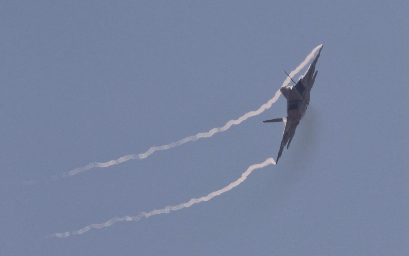 实拍地球最强战机F-22:气势如虹 - 一统江山 - 一统江山的博客