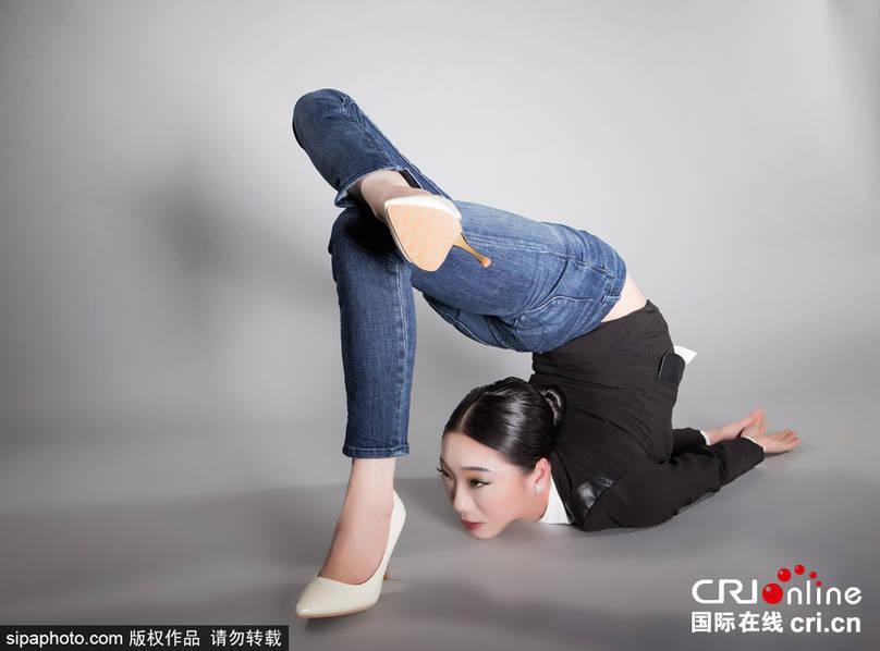 惊天柔韧度!第一柔术美女秀高难度动作 -  - 真光 的博客
