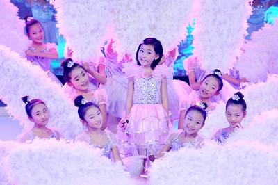 杨烁演唱的童年歌谱