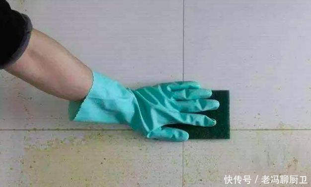 厨房墙面油烟、菜汁难清洗?知道这4点,墙砖一擦就干净,实用!