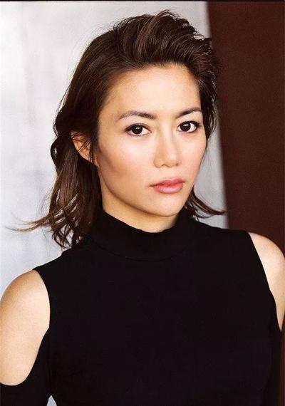 恭喜!30岁退选港姐获好莱坞导演成功求婚升级准人妻:感动泪洒