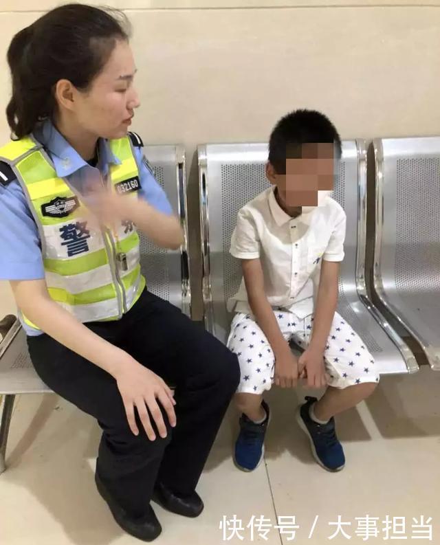株洲一孩子吞下算珠民警开送往医院