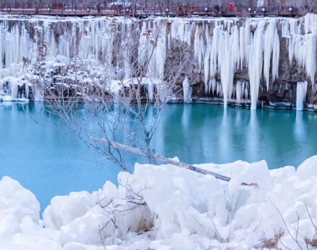 狂热又迷人 冰瀑布是冬天最美的风景