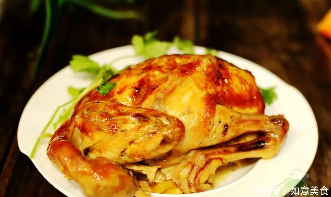 """如何做出一只又嫩又""""金灿灿""""的整鸡?待客好极了!"""