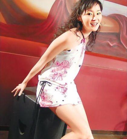 万绮雯短裙照,红颜劫笛子简谱,镣铐丝袜美女图,猪配猪