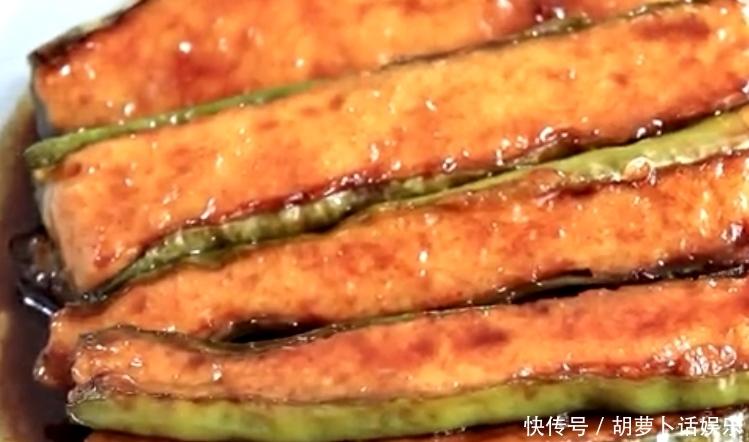 辣椒的新吃法,不炸不炒,比辣椒炒肉简单,比虎皮辣椒好吃