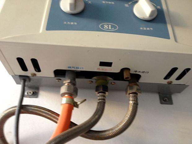 燃气热水器(天然气)怎么装电池?