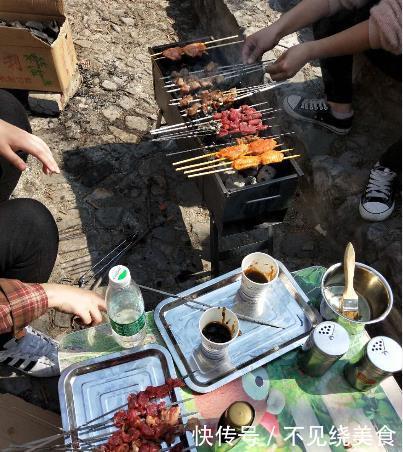 五一小长假,15人野外烧烤,才花费300多,个个都吃撑了,真划算