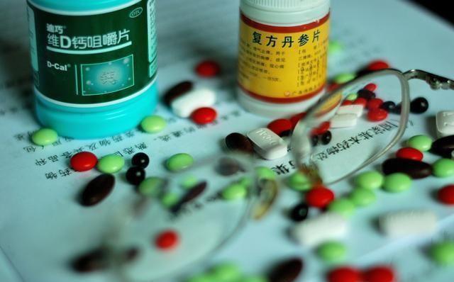 治疗肾炎中药好还是西药好